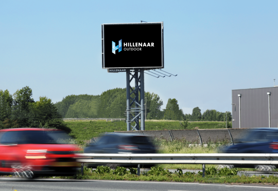 Hillenaar Outdoor kondigt digitale reclamemast aan langs A15